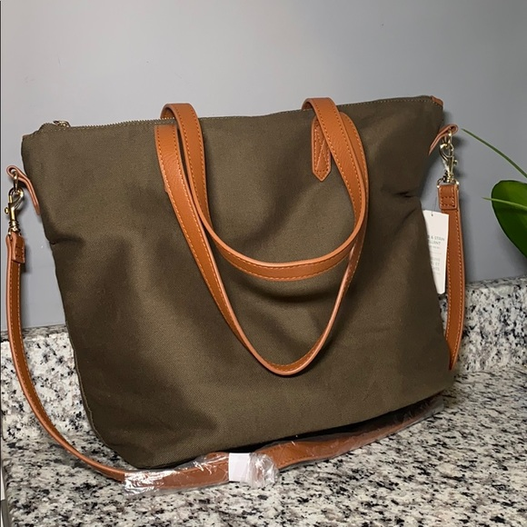 Old Navy Handbags - Old Navy Purse/Computer Bag